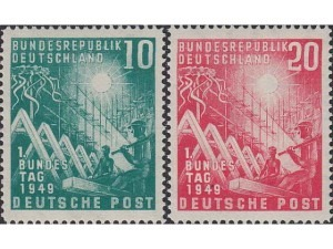 111-112 Opening of the first West German Parliament, Bonn
